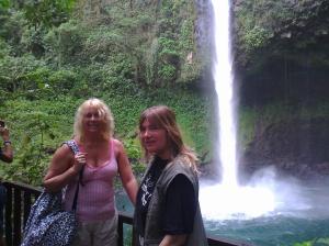 Mona and Lisa, or Mona Lisa on Trip Costa Rica